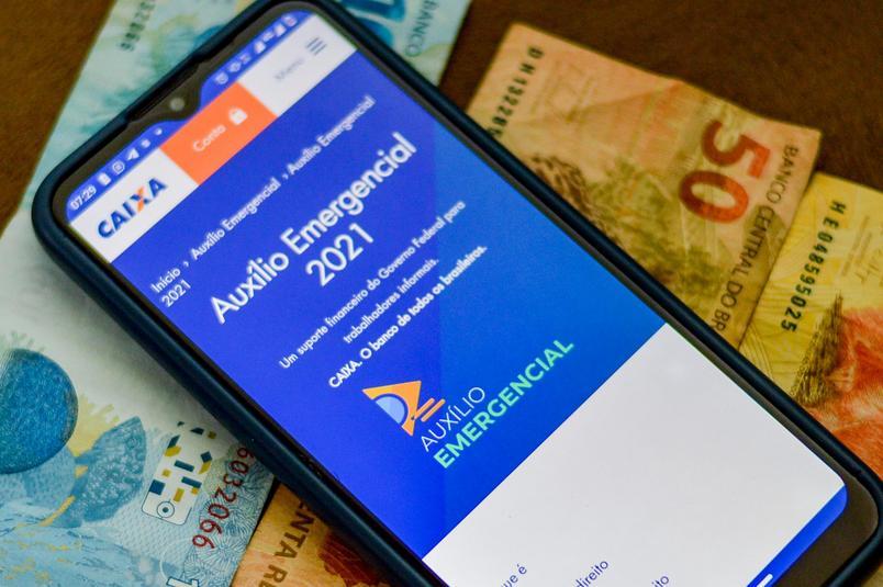 auxilio emergencial 2021 - Governo divulga nova lista de aprovados para receber Auxílio emergencial; saiba como sacar