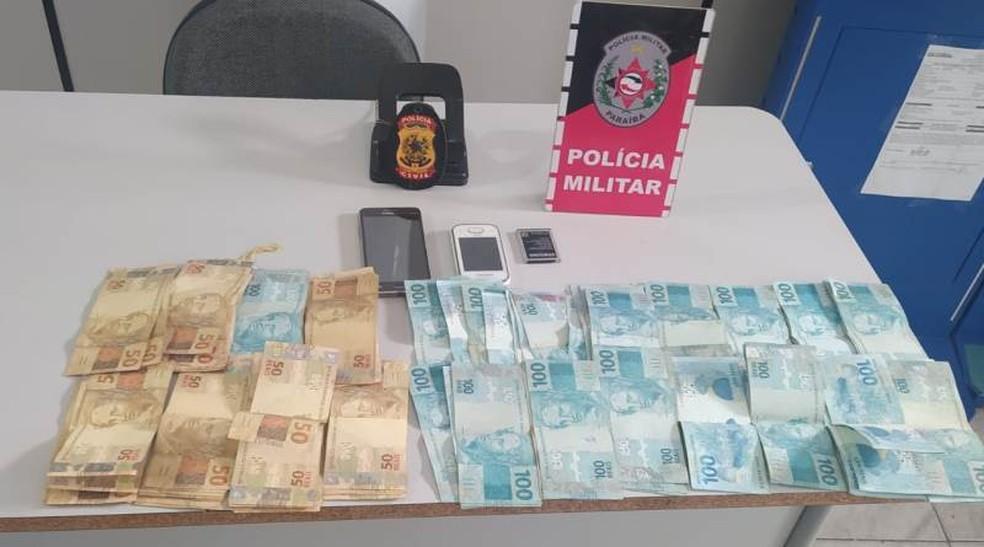 dinheiro recuperado - GOLPE! Funcionário é preso suspeito de forjar assalto para desviar R$ 17 mil de loja no Sertão paraibano