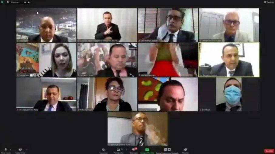 e3vgngs2glfk1tf6vm6pmxomg - Vereadora faz 'sarrada' durante sessão virtual da câmara - VEJA VÍDEO
