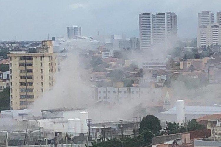 fabrica - TRAGÉDIA: Explosão em empresa de oxigênio causa danos em residências - VEJA VÍDEO