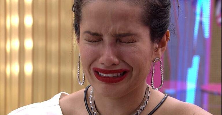 juliete - Em festa, Juliette se sente julgada e acaba em lágrimas: ''Estou de saco cheio''