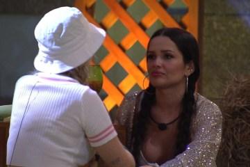 "juliette e vii tube - JOGADORA! Viih Tube muda discurso e puxa-saco de Juliette: ""Você chega na final"""
