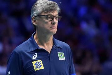 Internado no Rio com covid-19, o técnico Renan Dal Zotto é intubado nesta segunda-feira