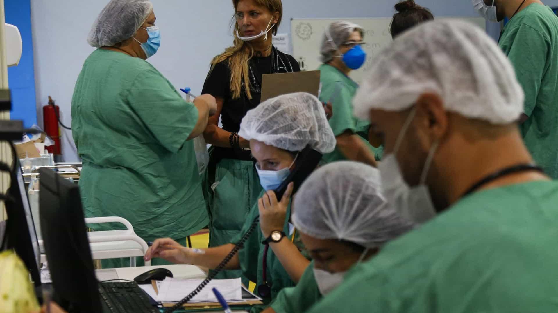 naom 6074118e3637e - Número de casos de Covid se estabiliza no Brasil, mas segue entre maiores do mundo