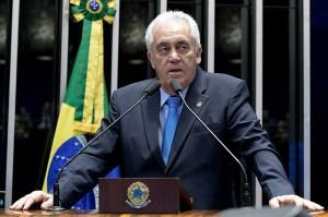 """otto alencar 300x199 - Membro da CPI da Pandemia, senador critica Bolsonaro e diz que Saúde """"errou completamente"""" no combate à doença"""