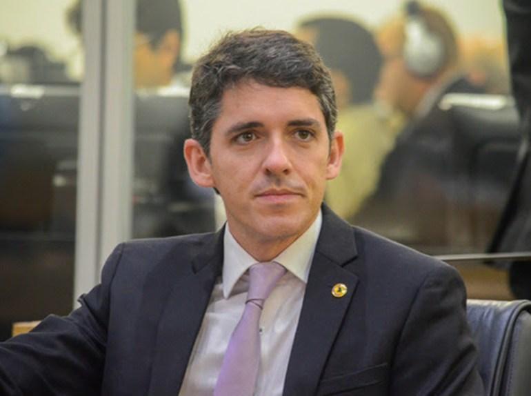 tovar - ALPB aprova pedido de Tovar para inclusão de dentistas nas UTIs Covid