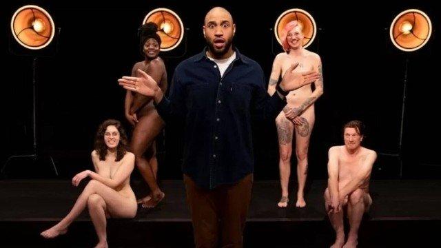 xblog naked.jpg.pagespeed.ic .OjVJ9l4n2X - Programa infantil em TV causa polêmica ao mostrar adultos nus para discutir sexualidade