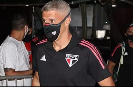 xcres - Crespo pede ao São Paulo para manter pés no chão