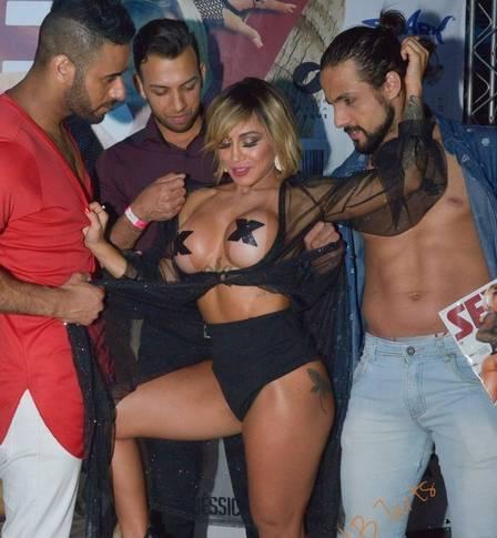 2a245bebdfd5892642270ff3bf01493a - Personagem no caso MC Kevin, Bianca Dominguez já posou nua, foi musa de carnaval e sonha com a fama