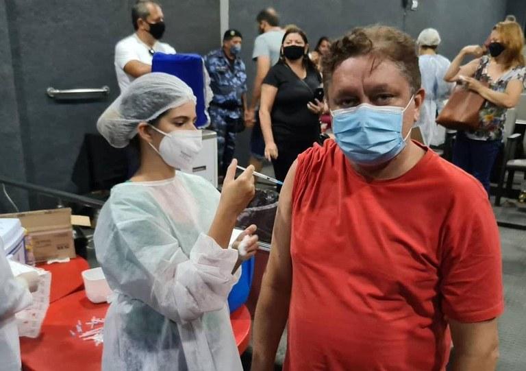 8186e998 a525 4ed1 9a4b 1d456881bfff - Vacinação Covid-19: doenças crônicas neurológicas são incluídas no grupo prioritário de comorbidades, na Paraíba