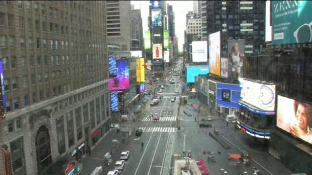 9500354 640x360 - Mulher e criança são baleadas em tiroteio na Time Square, em NY