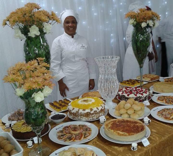 A baiana Helena Costa trocou a area de turismo pela gastronomia FOTO ACERVO PESSOAL 1 - Dia do Gastrônomo: investir na profissionalização é o tempero a mais para uma boa carreira