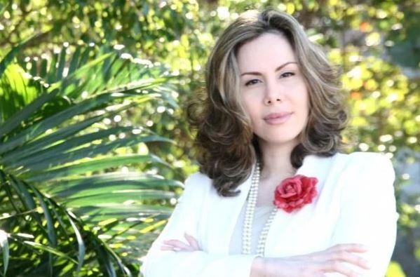 """Capturar 57 - """"Encalhada é quem casou errado. Eu tô no azeite de Jeová"""", diz pastora Sarah Sheeva - VEJA VÍDEO"""