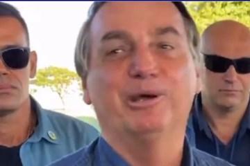 Capturar 61 - Bolsonaro faz piada com apoiadora que lhe contava sobre a morte do pai - VEJA VÍDEO