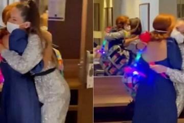 Juliette reencontra a amiga Deborah Vidjinsky após vencer o BBB21: 'Tô em choque' – VEJA VÍDEO