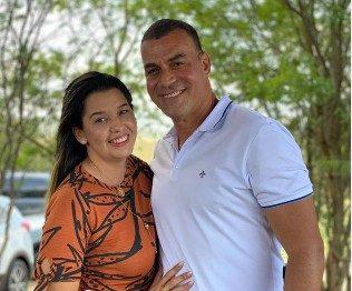 Major Sidnei e Denise Ribeiro Sape e1621025273849 - É O AMOR! Prefeitos paraibanos esbanjam amor pelas esposas, conheça os casais considerados mais bonitos