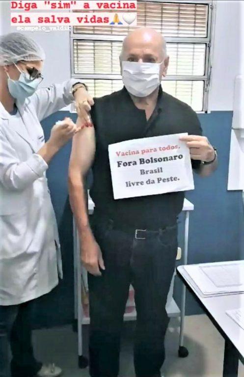 """Screenshot 20210513 190346 Gmail 497x768 1 - Padre de Lagoa Seca viraliza ao fazer protesto durante vacina: """"Fora Bolsonaro, Brasil livre da peste"""""""