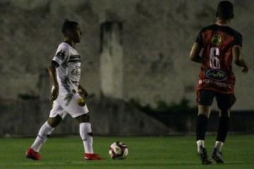 CAMPEONATO PARAIBANO: Botafogo-PB bate São Paulo Crystal e dispara na liderança