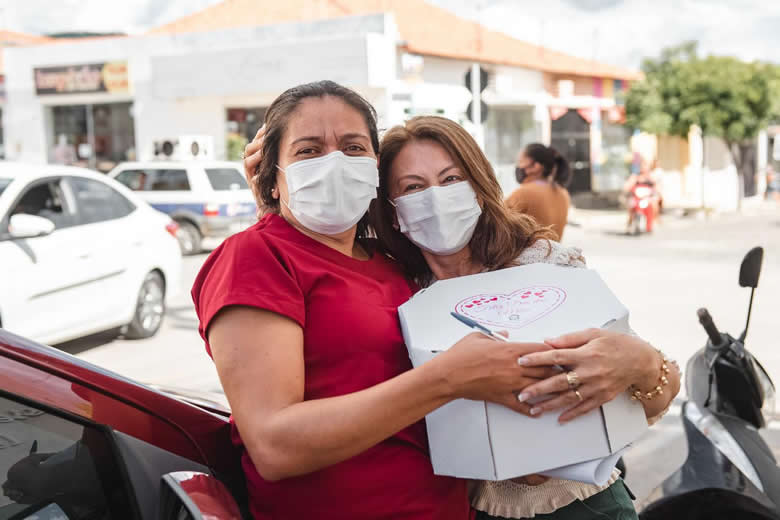 WhatsApp Image 2021 05 08 at 15.08.56 1 - Com live, prêmios e kits lanches primeira-dama de São José de Piranhas inova em comemoração ao Dia das Mães