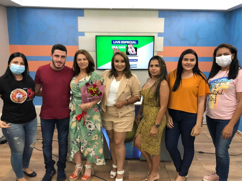 WhatsApp Image 2021 05 09 at 10.34.24 - Com live, prêmios e kits lanches primeira-dama de São José de Piranhas inova em comemoração ao Dia das Mães