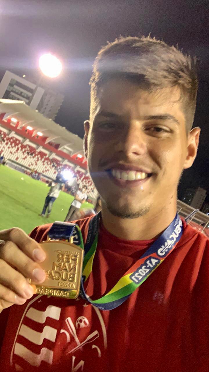WhatsApp Image 2021 05 24 at 15.15.23 - NÁUTICO CAMPEÃO! Jogador paraibano conquista o campeonato pernambucano de 2021