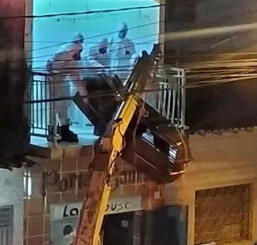 WhatsApp Image 2021 05 26 at 14.37.46 - Homem morre de Covid-19 e corpo é retirado do apartamento com ajuda de caminhão guincho no sertão da PB