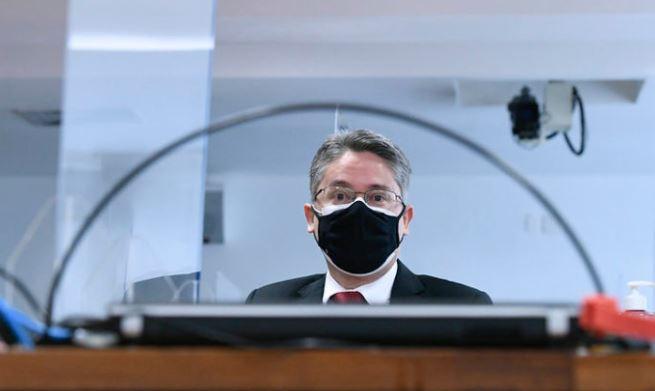 ale - Bolsonaro boicotou deliberadamente a vacina, diz Alessandro Vieira