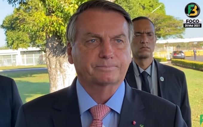 bolsonaro 3 - 'Se não estiver satisfeito comigo, tem o Lula em 2022', diz Bolsonaro - VEJA VÍDEO