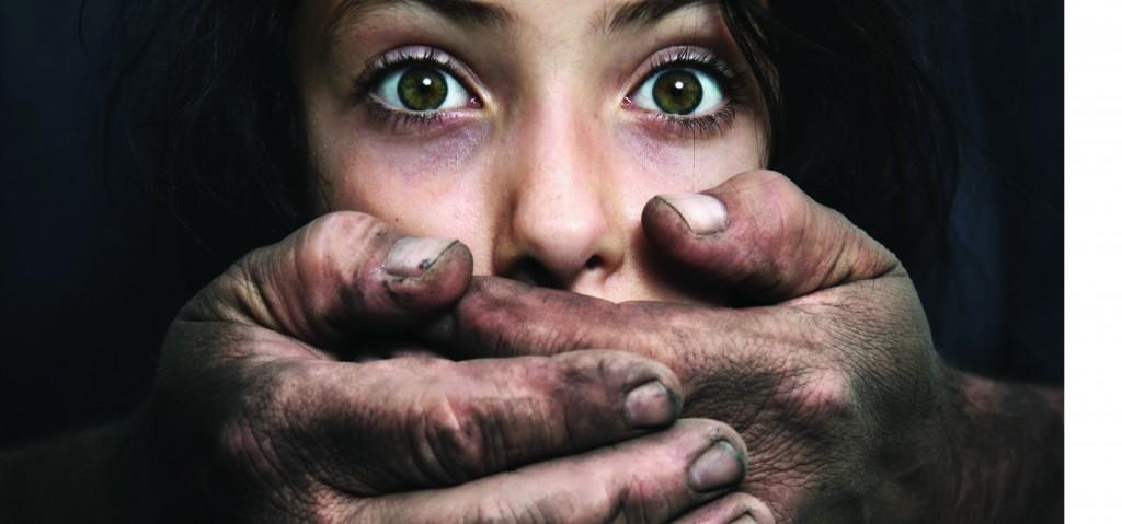 cartaz violencia 01 e1384803049620 1024x479 1 - Em média, 10 mulheres são vítimas de violência doméstica por dia na Paraíba