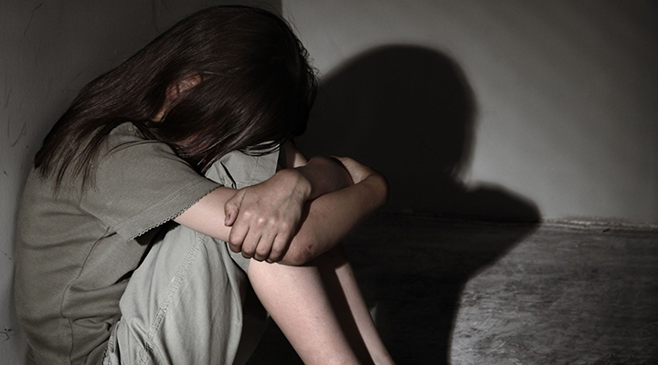 criancas - ABSURDO! Mulher é presa após deixar o filho de 9 anos trancado sozinho em casa