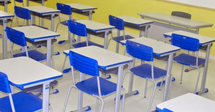 escola reformada cadeiras 692x360 1 - CASO DESK: MPF denuncia ex-secretários por suspeitas de fraudes na compra de carteiras escolares na PB; confira
