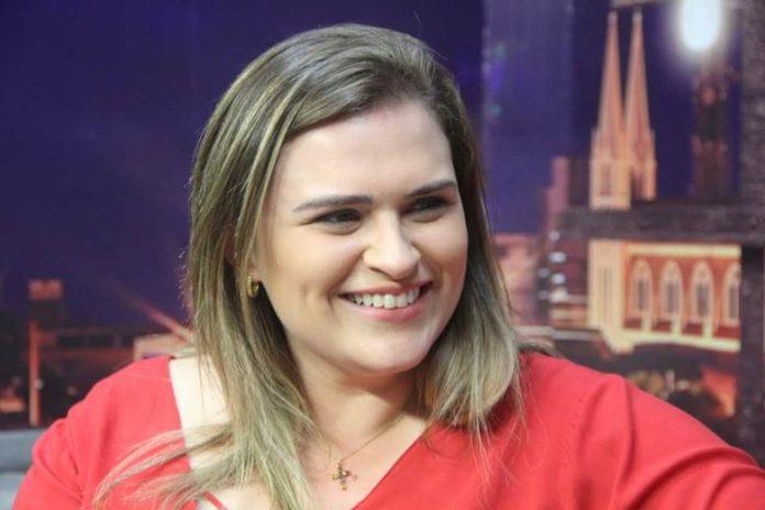 marilia arraes 696x464 1 - INSTITUTO OPINÃO: Marília Arraes lidera com 26% a disputa para o Governo de Pernambuco