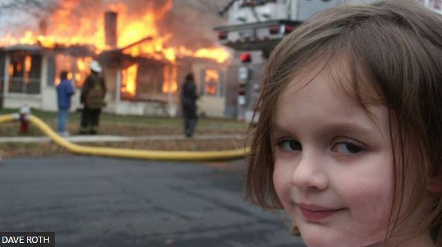 mm - Conheça a história por trás do meme da menina em frente a incêndio que foi vendido por mais de R$ 2,7 milhões