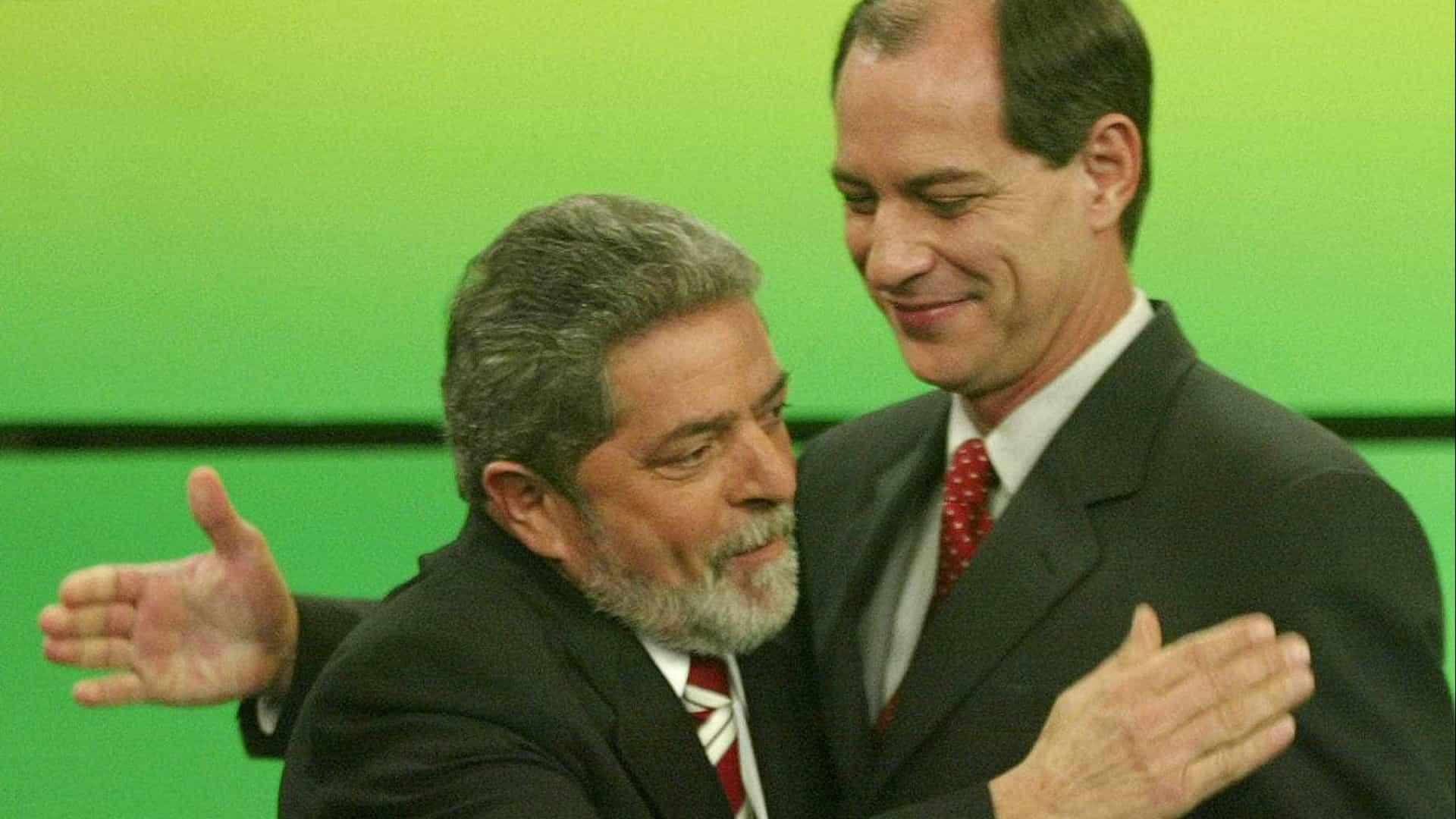 naom 5771b5acb13be - De olho em 2022, Lula e Ciro adotam estética de campanha em 1º de Maio unificado