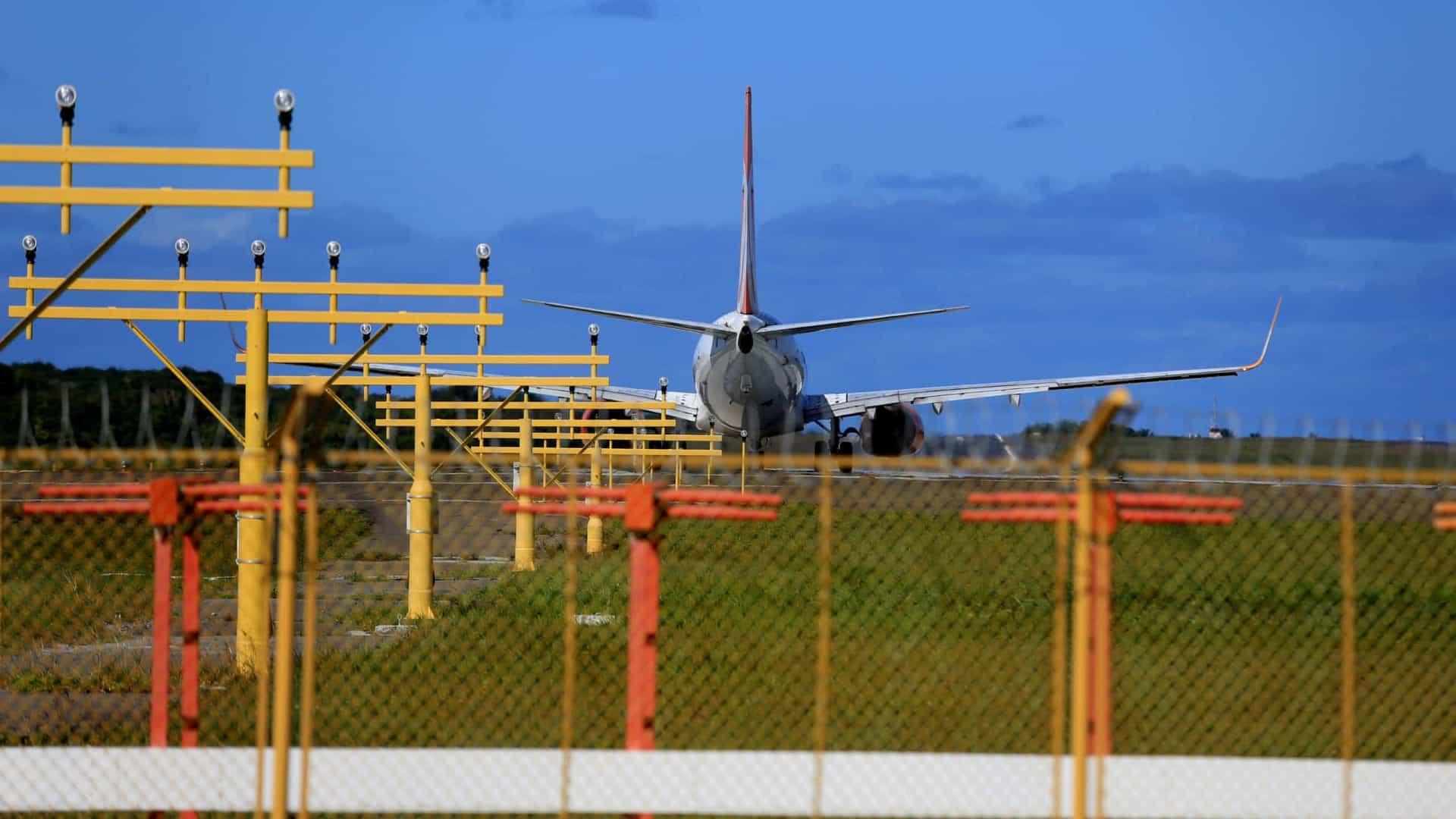 naom 5f7f056c4b7a7 - Parte dos brasileiros deportados dos EUA desembarca em Belo Horizonte