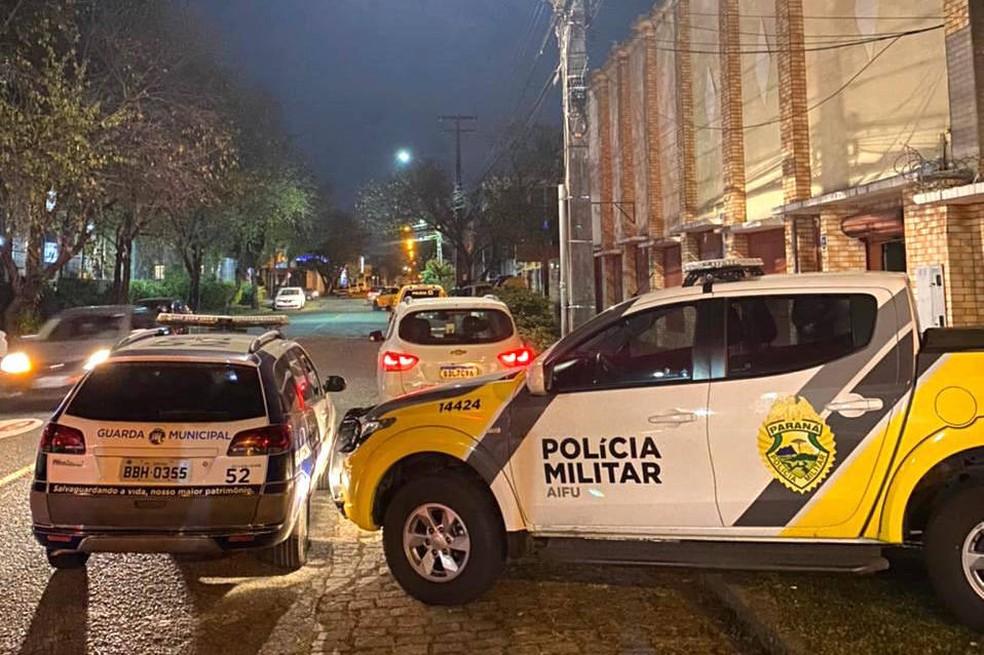 news interna foto19680f295f13f - Sem medo da Covid-19: fiscalização flagra 120 idosos em bingo clandestino em Curitiba