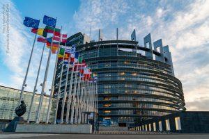 parlamento europeu 300x200 - UE propõe autorizar turistas vacinados e abre brecha para CoronaVac