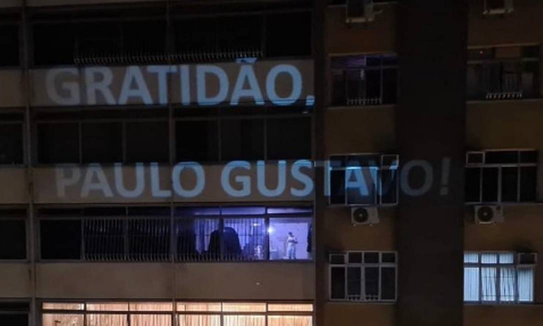 xGratidao Paulo Gustavo.png.pagespeed.ic .ly7lpn82Vn - Paulo Gustavo: aplausos em janelas homenageiam o ator em Niterói e no Rio - VEJA VÍDEOS