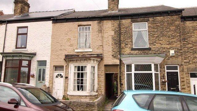 xhouse 1.jpg.pagespeed.ic .wjCqE7iRa  - Casa 'mais suja da Inglaterra' é posta a venda 'do jeito que está'; Veja fotos