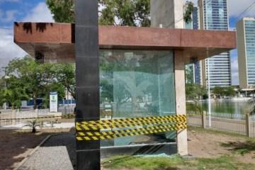 """02 monumento 800x500 1 - Ataque à bomba: monumento """"à Bíblia"""" é alvo de vândalo em Campina Grande"""
