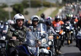 COMEMORANDO AS MORTES?! Concentração para 'motociata' com Bolsonaro reúne milhares em meio a avanço da pandemia