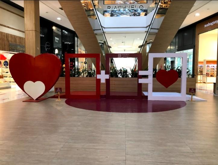 21b06dbe 0dc2 06d9 16d7 7d37906b9d70 - Shoppings Manaira e Mangabeira criam decoração temática para o Dia dos Namorados