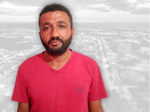 Capturar 122 - Na Paraíba, agricultor acha envelope com quase R$ 17 mil em rodovia e procura dono para devolver o dinheiro