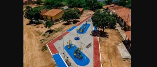 Capturar 20 - Prefeito Chico Mendes comemora conclusão de praça e anuncia obra de calçamento