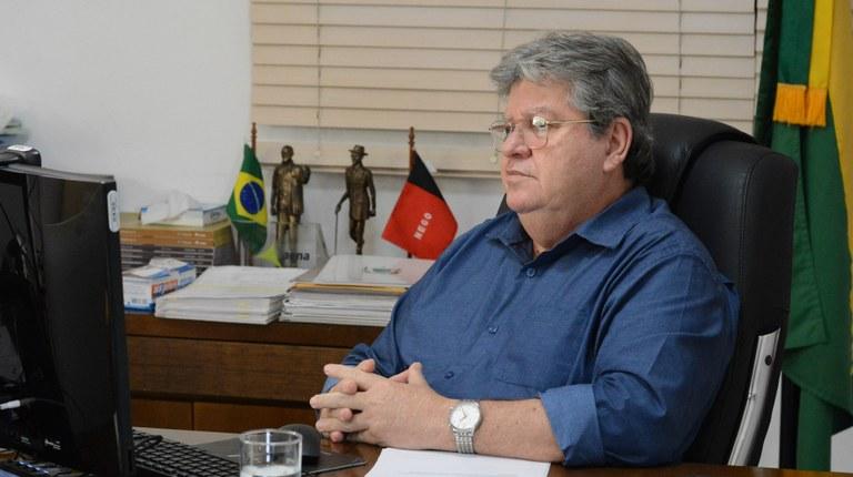 JOAO AZEVEDO 2 - João Azevêdo desmente fakenews e garante que no seu governo jamais a Cagepa será privatizada - VEJA VÍDEO