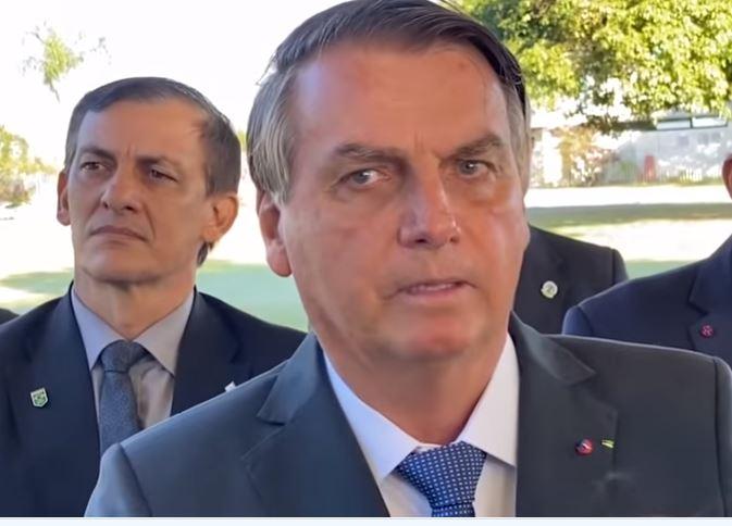 bolsonaro 2 - Bolsonaro diz que TCU põe em dúvida metade das mortes por Covid-19: 'tem um relatório'; VEJA VÍDEO