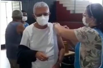 Arcebispo da Paraíba, Dom Delson, toma segunda dose da vacina contra a covid-19 – VEJA VÍDEO