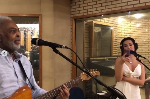juliette gil cantando - Gilberto Gil anuncia live com Juliette e os dois aparecem juntos ensaiando canções - VEJA VÍDEO
