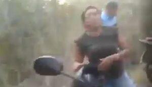 video 300x172 1 - Homem entra no mato procurando Lázaro; mas acaba encontrando a sua esposa com seu amigo - VEJA VÍDEO