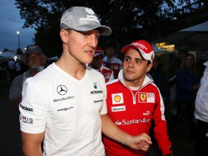 Michael-Schumacher-Felipe-Massa_2435916